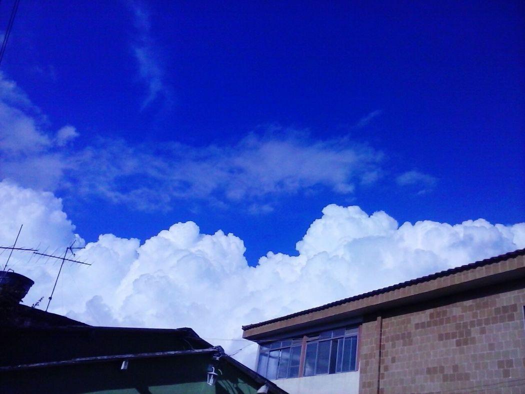 Blue Sky Clouds Sky Blue Ceu Azul Céu E Nuvem Ceumaravilhoso Céu Lindo! Beautiful Nature Beautiful Day