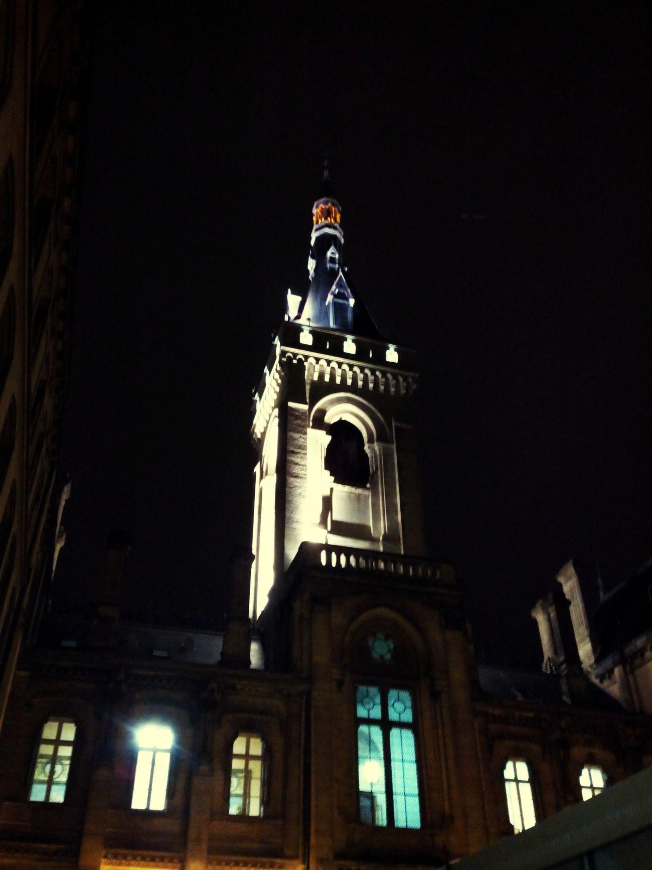 Mairie. Nuit Art Roman Edifice