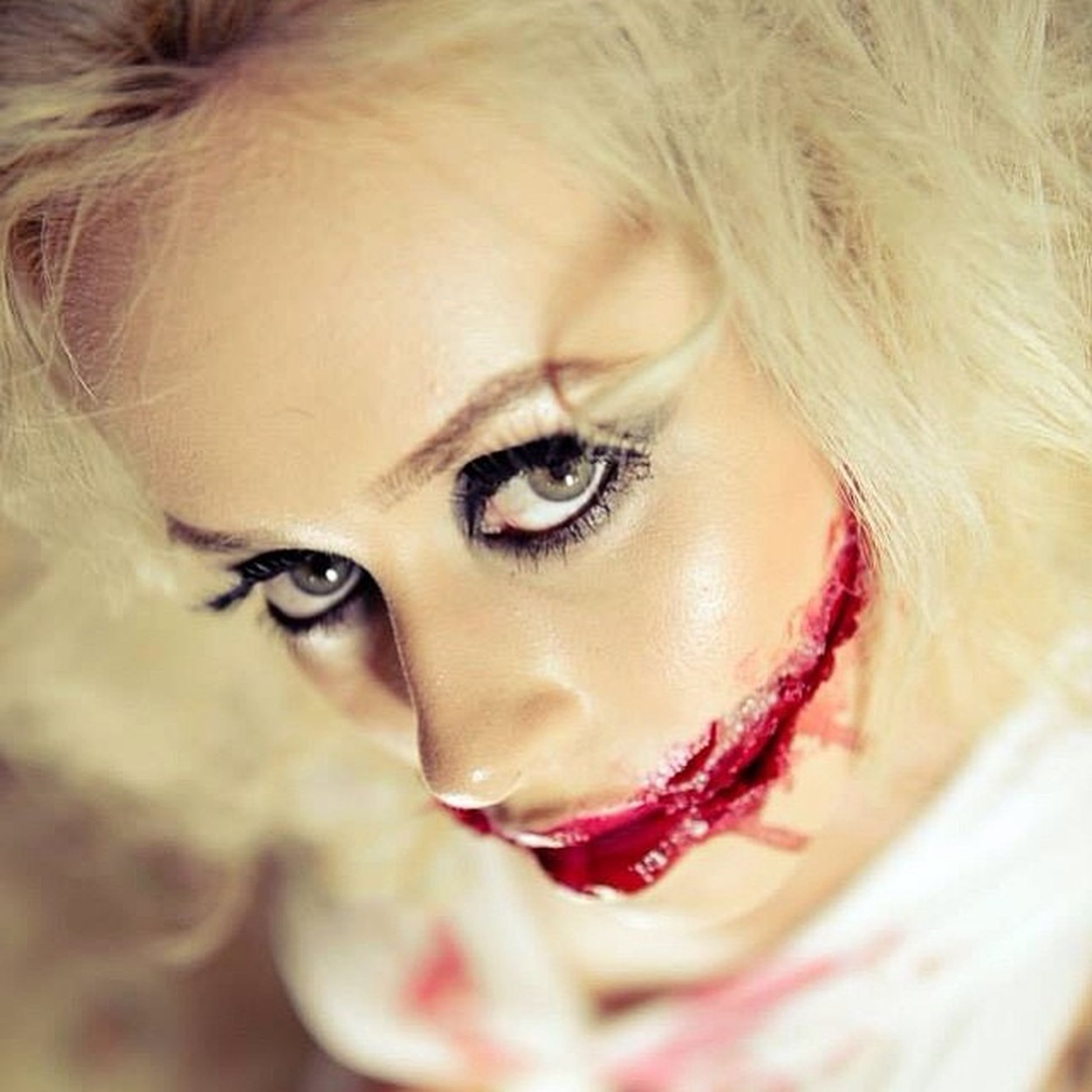 Houseofphoenixeleven Zombie Shoot with @xxba bydoll16xx Kelseymctainsh Say Cheeeez Smile Blood Beautiful Gore