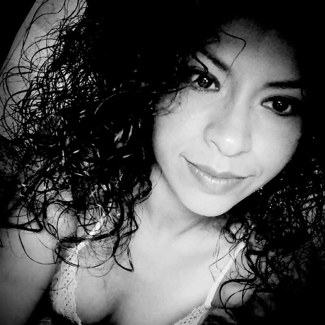 Hora de dormir!!! Curls Goodnight Blancoynegro Pretty Enpijama Love <3 Xoxo Girl Kissssss  Sueño