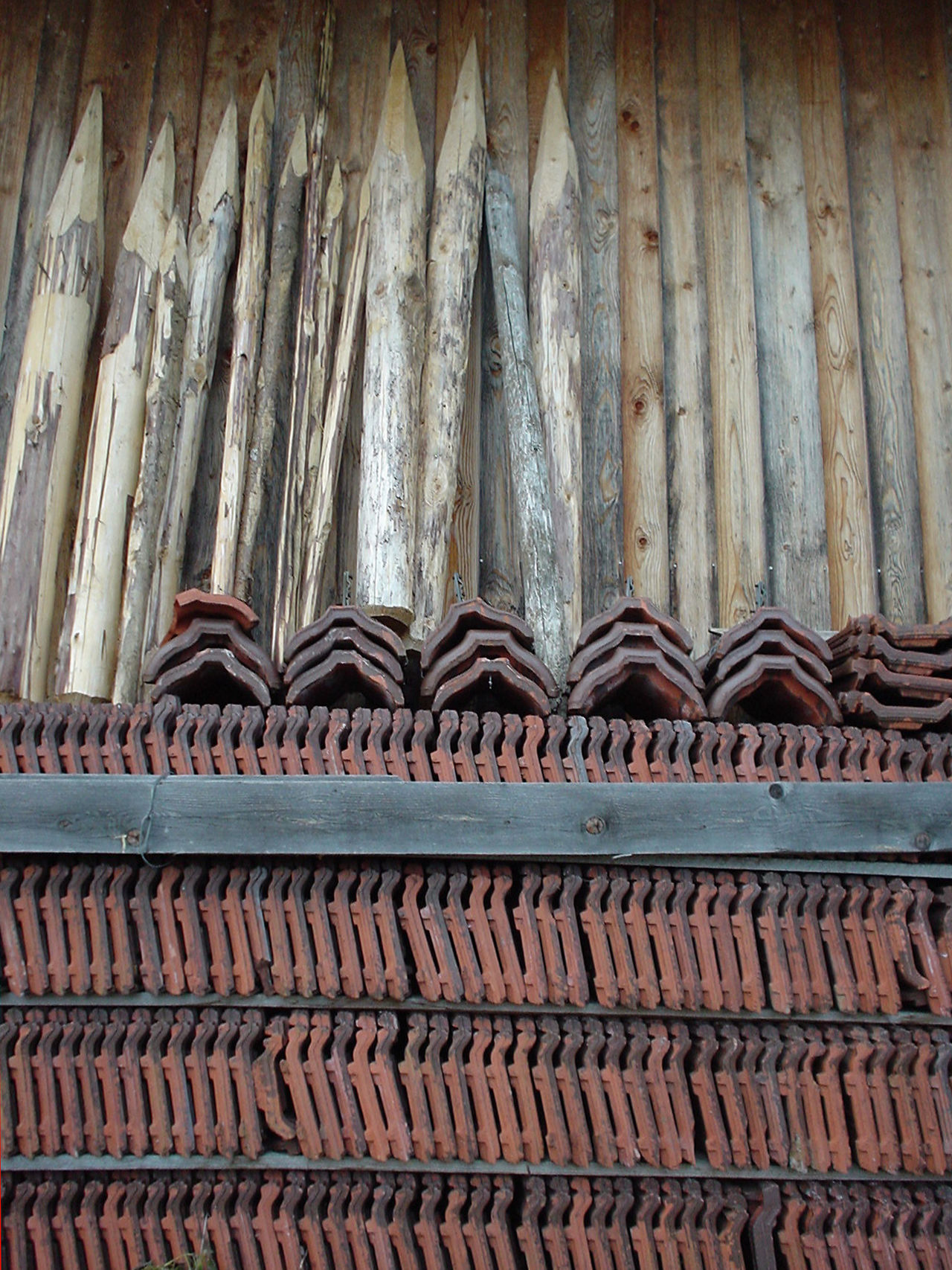 Arrangement Backgrounds In A Row Pattern Pile Piled Up Repetition Roof Tiles Side By Side Stack Terracotta Wood - Material Wooden Stakes