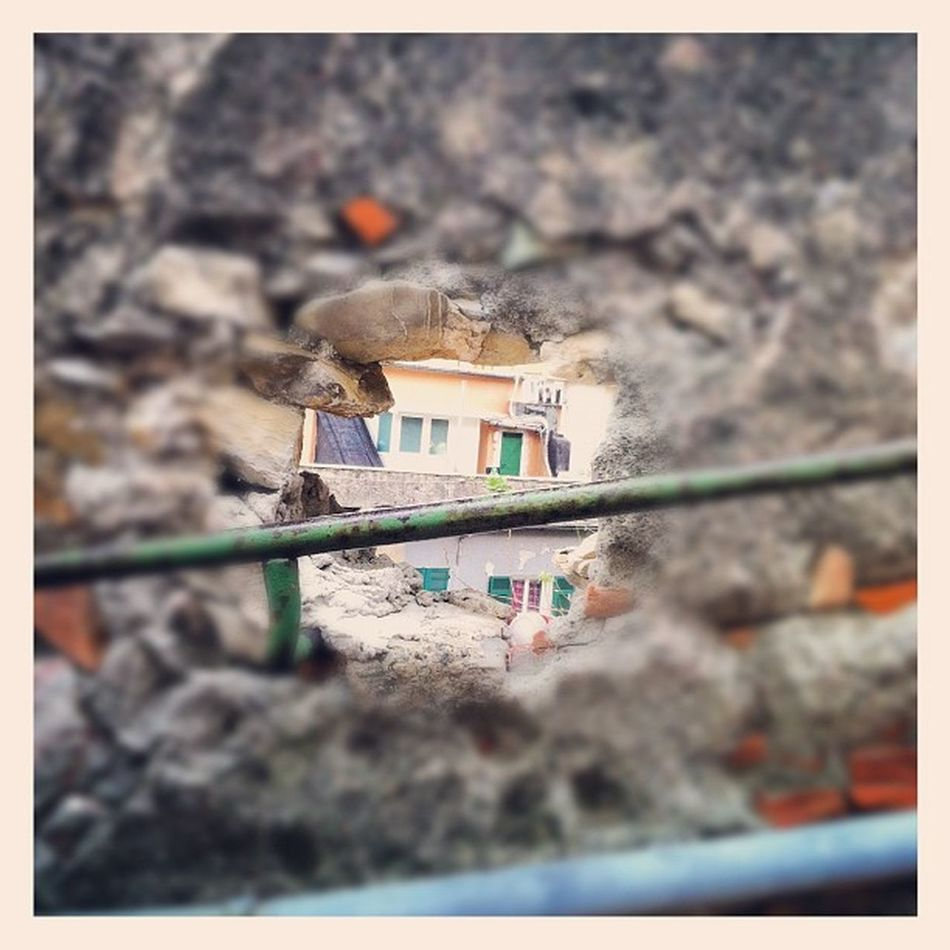 The hole on the wall Creuze Street Instaily Iphonephoto fromthestreets genova zena