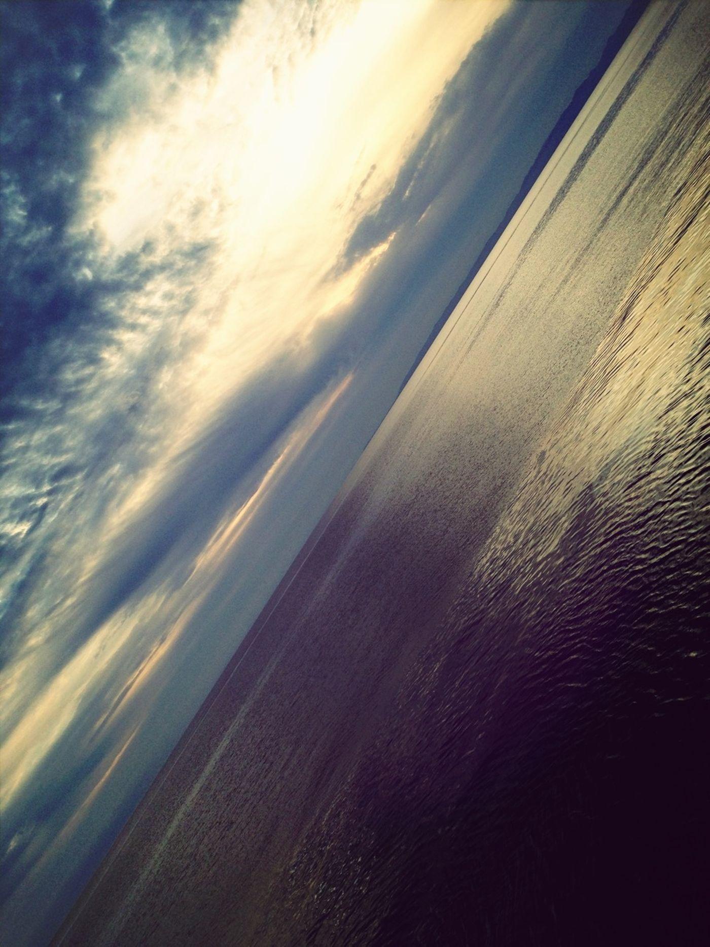 海と空がちょうどはんぶんこ Sea Seaside Sky And Sea