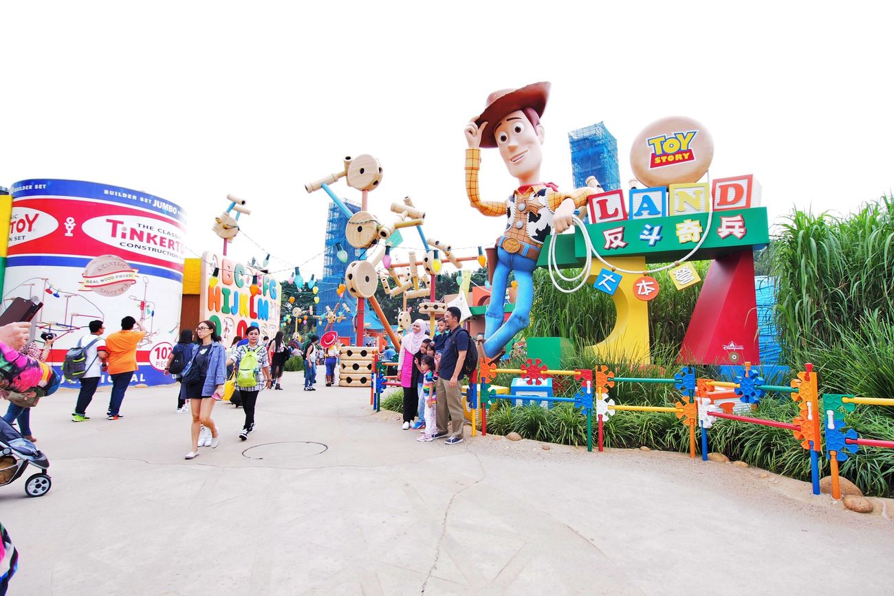 Large Group Of People Leisure Activity Lifestyles Outdoors Crowd Women Men People Day Performance Adult Toy Story Toystory Disney Disneyland HongKong Hong Kong Disneyland Hongkong Photos
