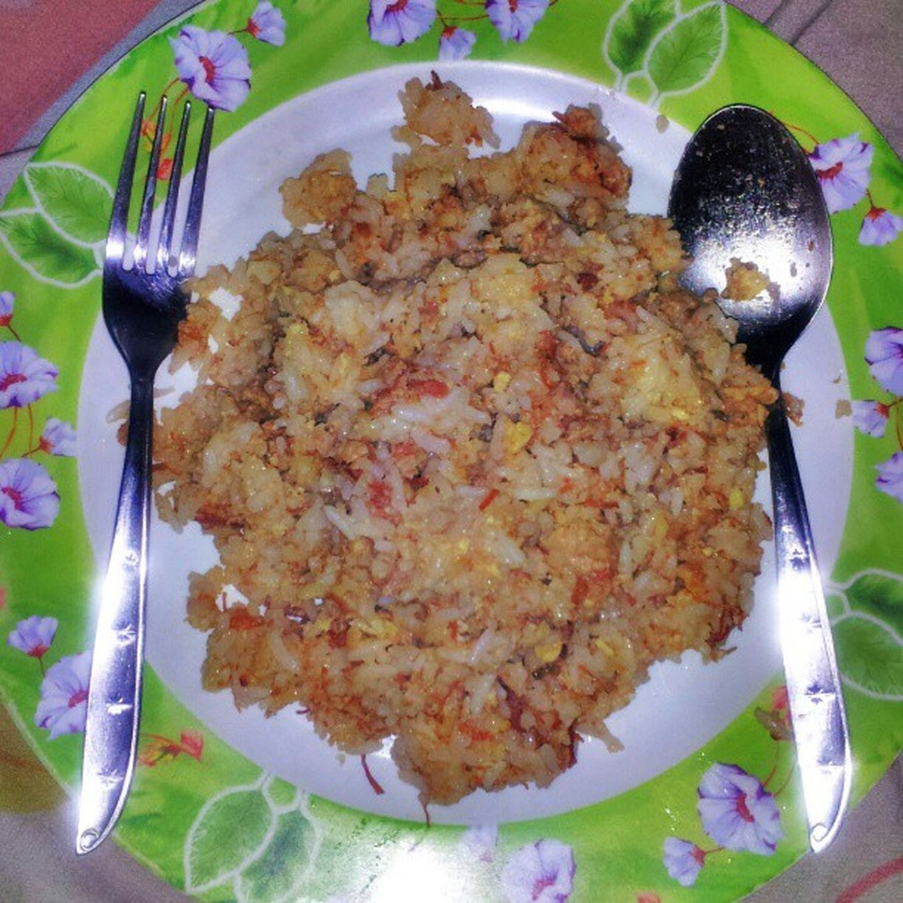 Corned Beef and Egg Fried Rice... Foodcreativity Foodie Foodgasm Foooood foodography fooddiary foodstagram nomnoms mydish allinone nomoreulam goodeats yumyum ilovefood ilovetoeat ilovetocook