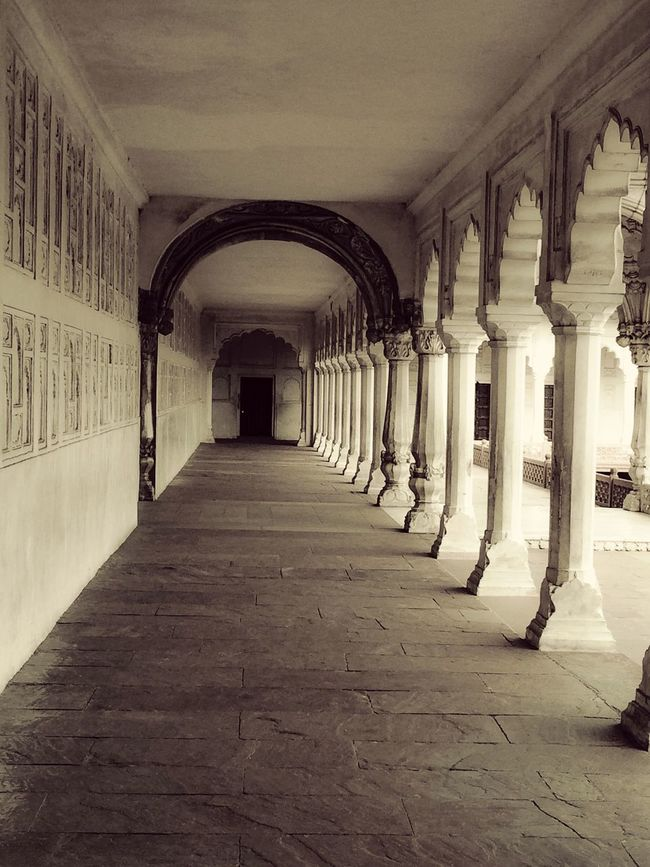 Stone Work Marble Whites Minars Castle Long Towards Infinity Straight Perspective Pillars Heavenly Details Carving Design Angle Architecture Celling Designer  Olden