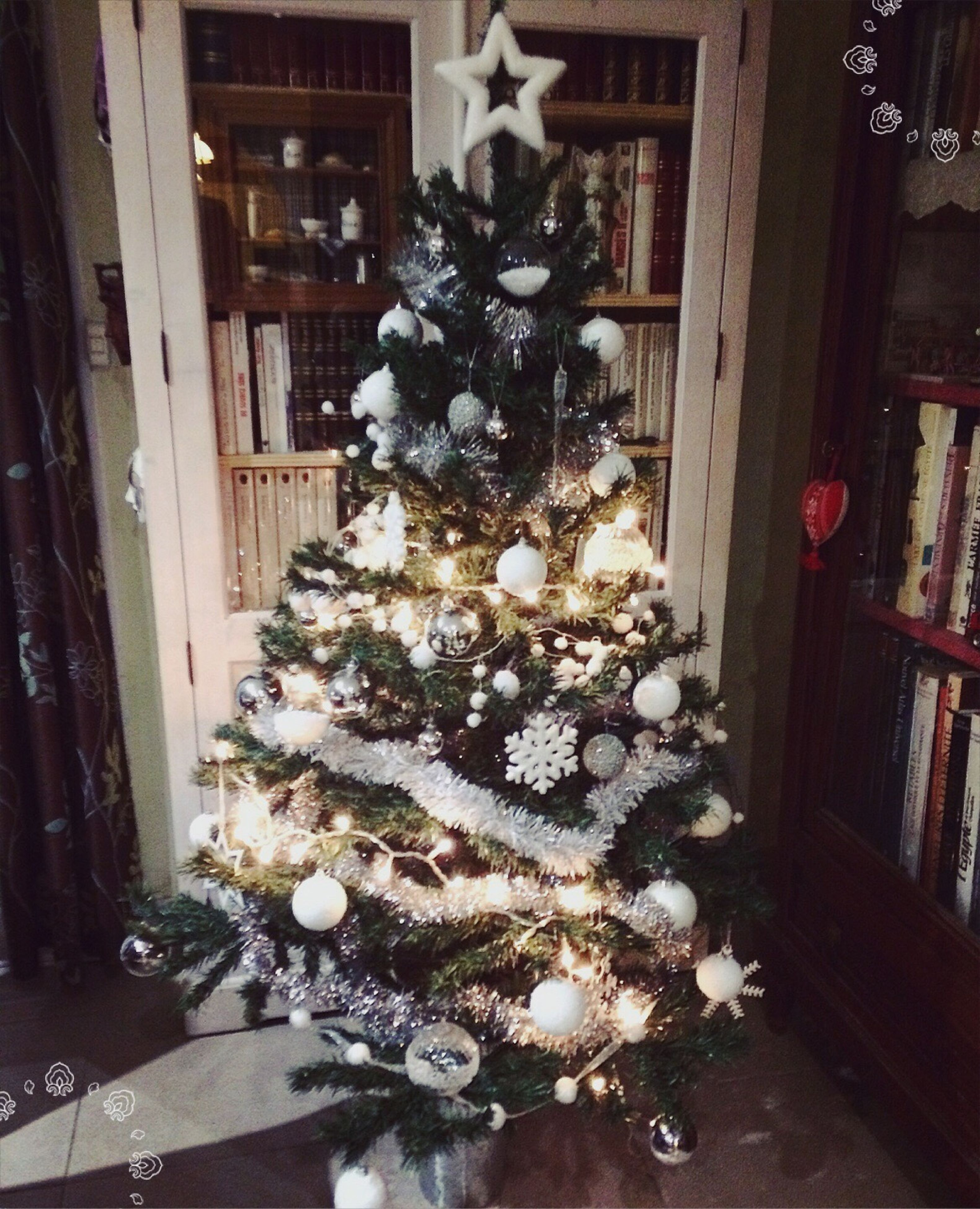 flower, decoration, christmas, fragility, architecture, freshness, built structure, vase, celebration, christmas tree, indoors, bunch of flowers, building exterior, christmas decoration, petal, growth, decor, table, potted plant, bouquet
