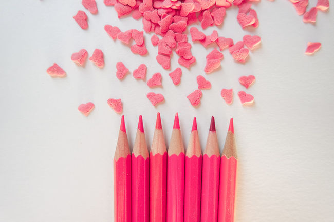 Arrangement Colored Pencil Colorful Hearts Heartshape In A Row Multi Colored No People Pink Color Repetition Side By Side Still Life Sweets Valentines Day White Background Market Reviewers' Top Picks Fresh On Market May 2016 Fresh On Market 2016