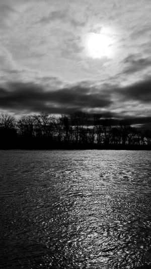 Sun on the Missouri river Sunrises Hanging Out Taking Photos Check This Out Hello World Cheese! Relaxing Hi! Enjoying Life Atchisonks Kansasphotographer Kansasphotos Wow_bnw Wow_america_landscape Blackandwhite Kansas Wow_america_hdr Kansasnature Atchison Wow_america_bnw America Ks_pride Relaxing World_bnw Local