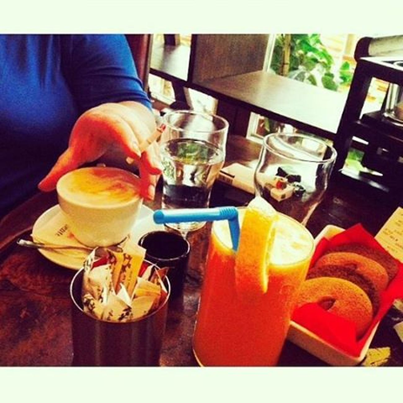 Καφεδάκι Σαλονίκη κι ετς. Saloniki Lepetitfleurcafe Coffeeandthecity Agapamesaloniki Feelinghappy  Free Andloved Baes  Antonis Anna Anastasia Alexandros Loooveesss ❤❤❤