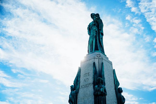 Montréal Canada Saint Joseph Mount Royal Light And Shadow Urban Urban Exploration Urbanphotography Blue Sky