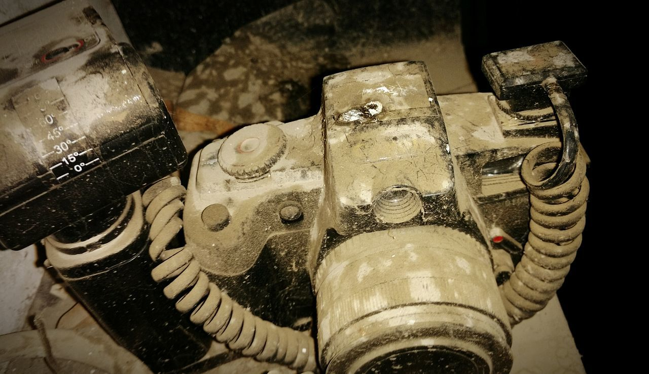 Abandoned camera. Close-up No People Camera Old Camera Abandoned Abandoned House Abandoned Places Decay Decay And Dereliction Beauty Of Decay Broken Broken Beauty Forgotten Forgotten Places  Urban Exploration EyeEmBestPics EyeEm Gallery Close Up Technology EyeEmNewHere