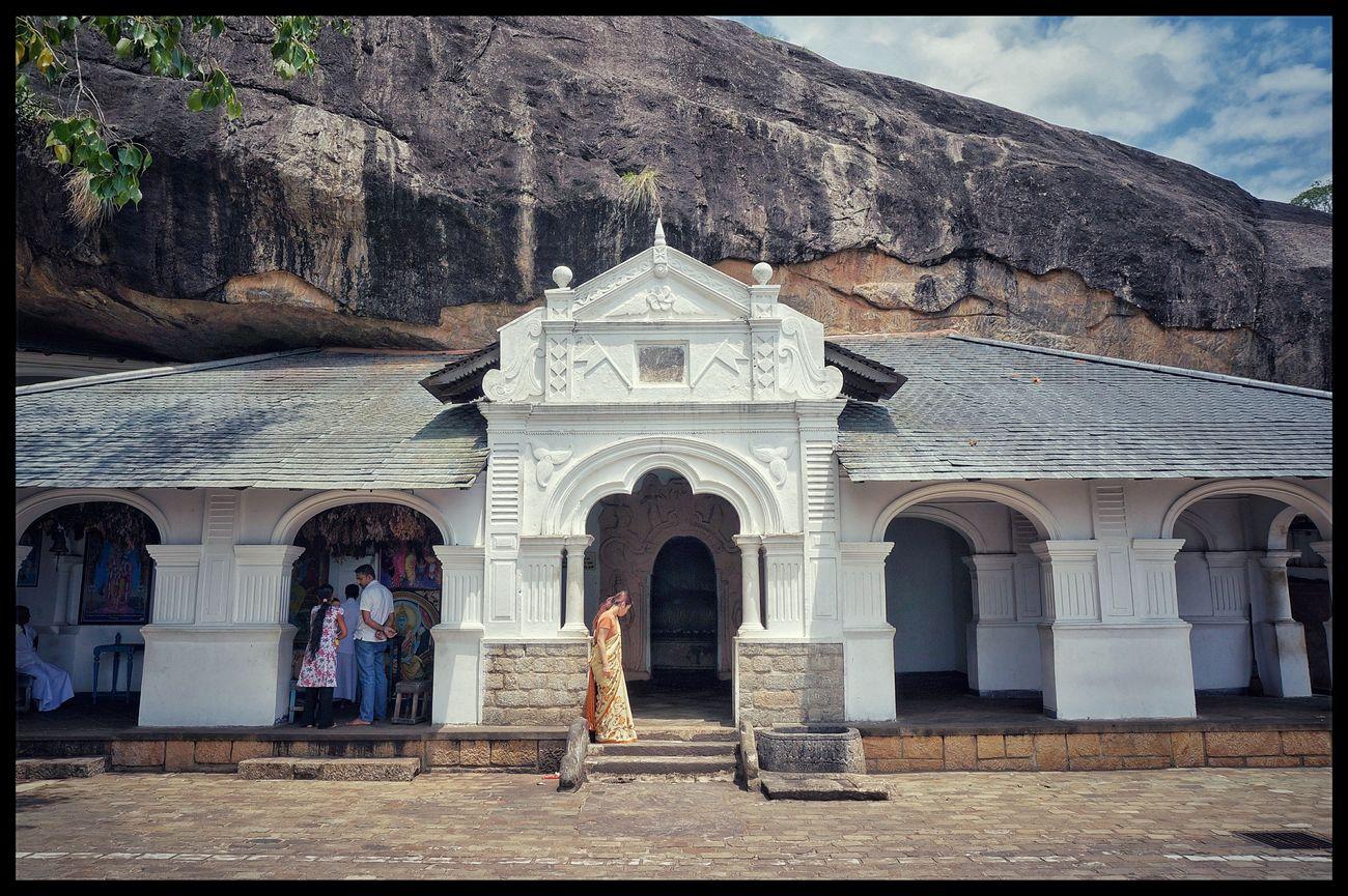 Historical Building Peaceful Eyeemphoto Eyeem Photography EyeEm Best Shots - Nature EyeEm Gallery Sri Lanka Historical Place Dambulla Dambulla Cave Temple Golden Temple Of Dambulla Lanka Traveling Travel Photography