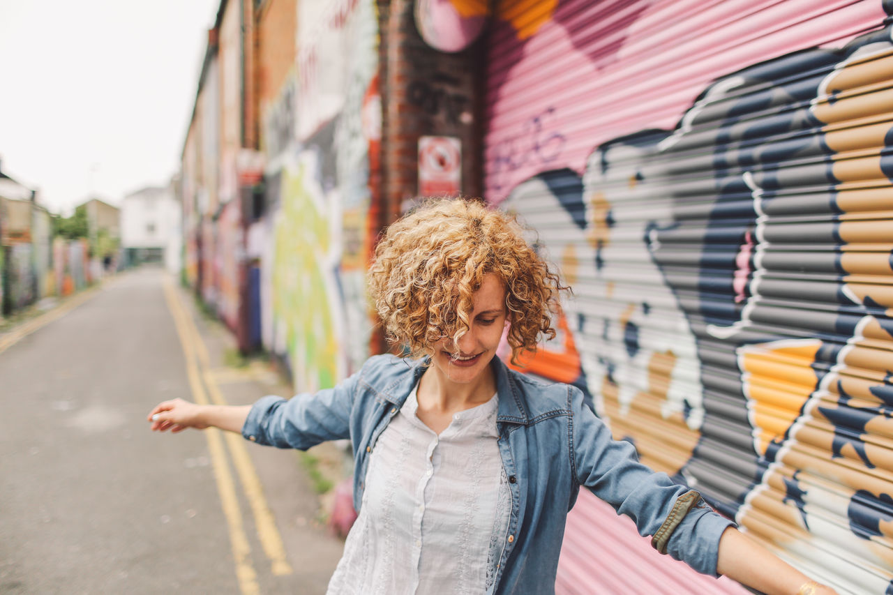 Beautiful stock photos of graffiti, 30-34 Years, Architecture, Art And Craft, Blond Hair