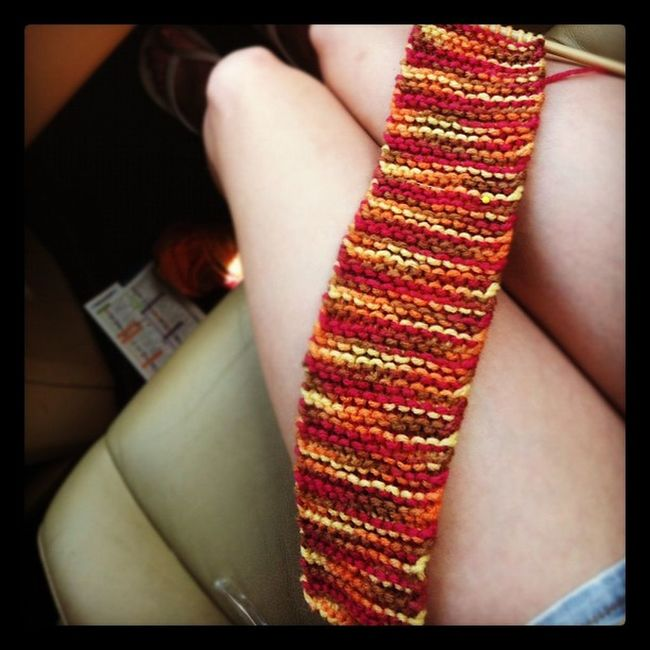 Coming along very nicely! Guitar Strap Knitbitch Saturdaydrive ✌