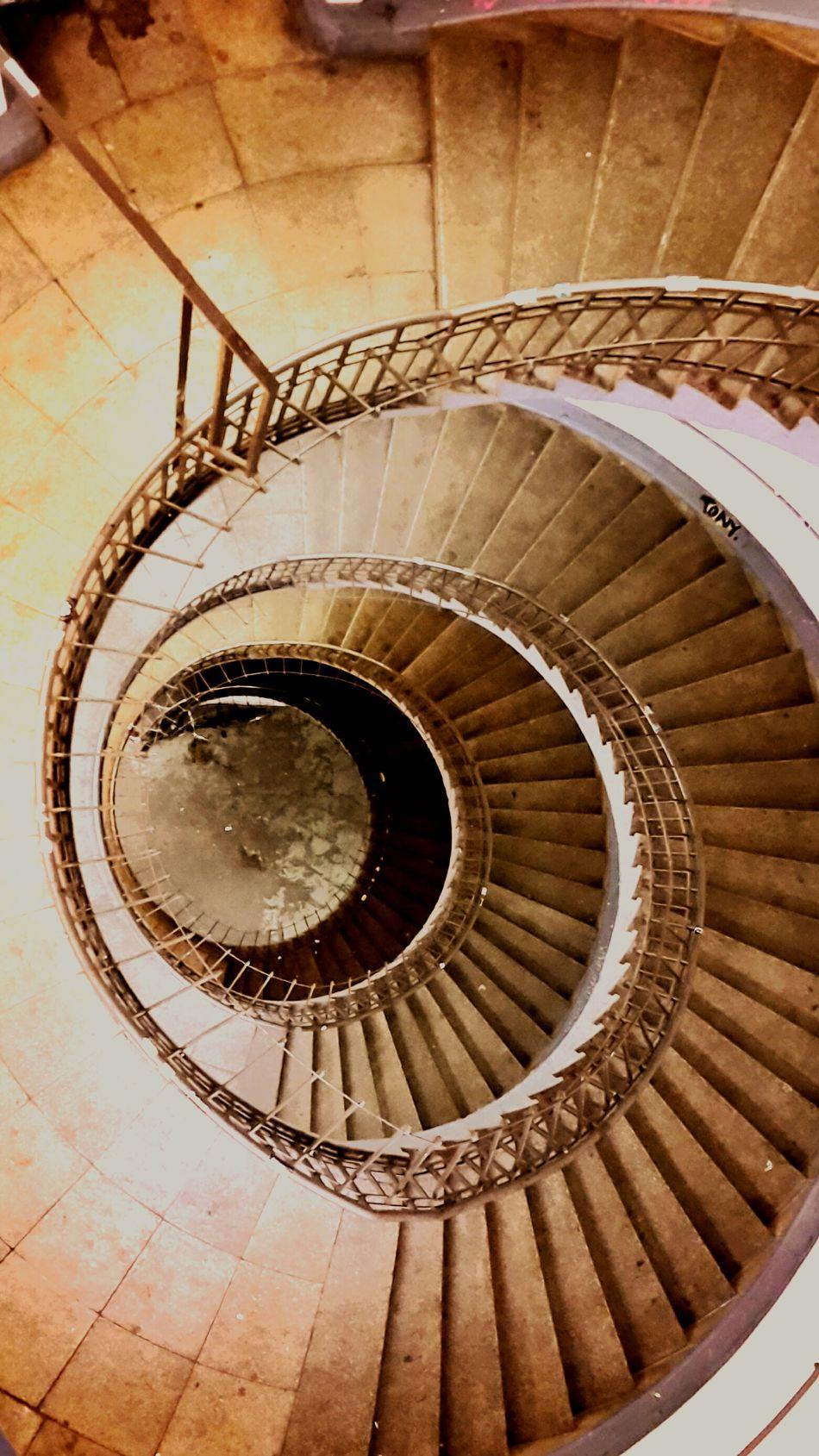 Stair Treppe No People Keine Menschen Staircase Stairs Spiral Staircase Spiral Stairs Spiral Hamburg Uebel & Gefährlich Wendeltreppe Sepia Treppengeländer Treppenhaus
