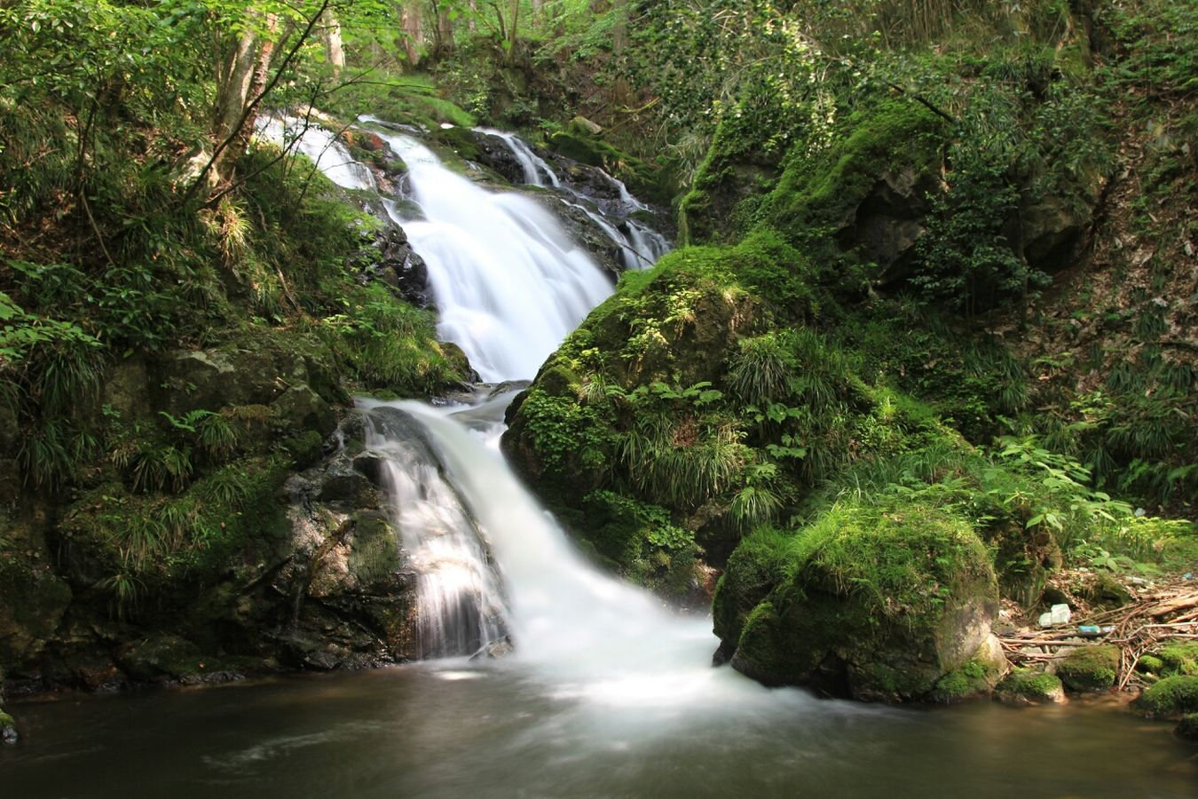 滝 スローシャッター マイナスイオン