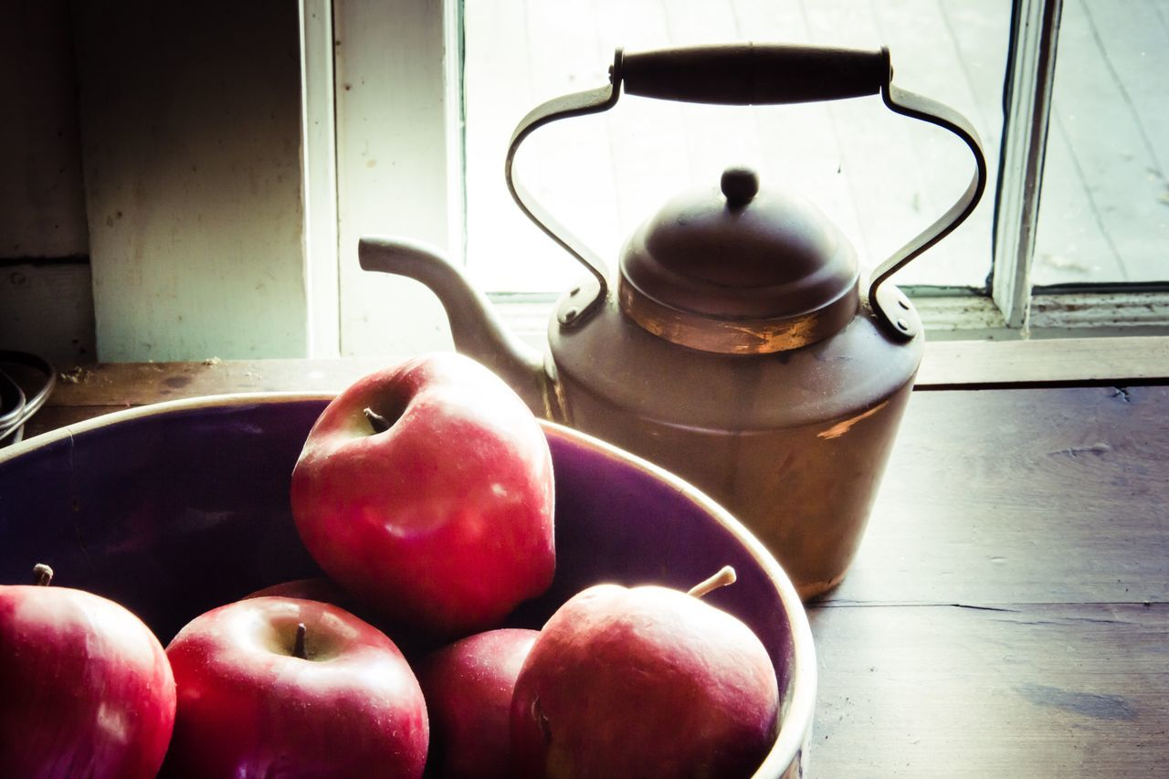 food and drink, healthy eating, food, indoors, fruit, domestic kitchen, no people, table, apple - fruit, freshness, stove, domestic room, close-up, day