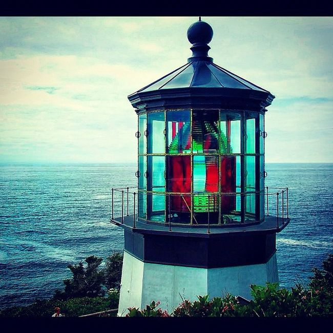 Cape Meares Lighthouse #oregon #oregoncoast #lighthouse #ocean #sea #coast #outdoors #travel #honktravel Sea Travel Lighthouse Outdoors Ocean Coast Oregon Honktravel Oregoncoast