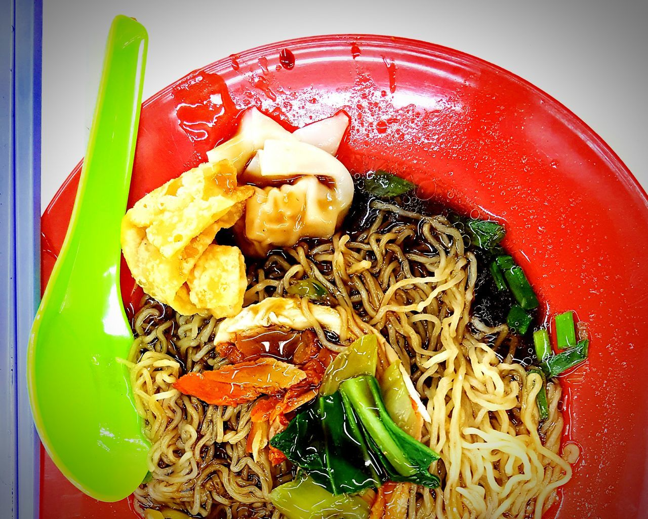 Wanton noodle . Penang hawker food Showcase July My Point Of View Eyeem Photography My Capture  Hello World The Week Of Eyeem Check This Out Fresh On Eyeem  No PeopleWanton Noodles Green Chillies Char Siew Dumplings Veggies Hawker Food Penang Malaysia Yummy In My Tummy Dinner EyeEm Food Lovers Colour Of Life
