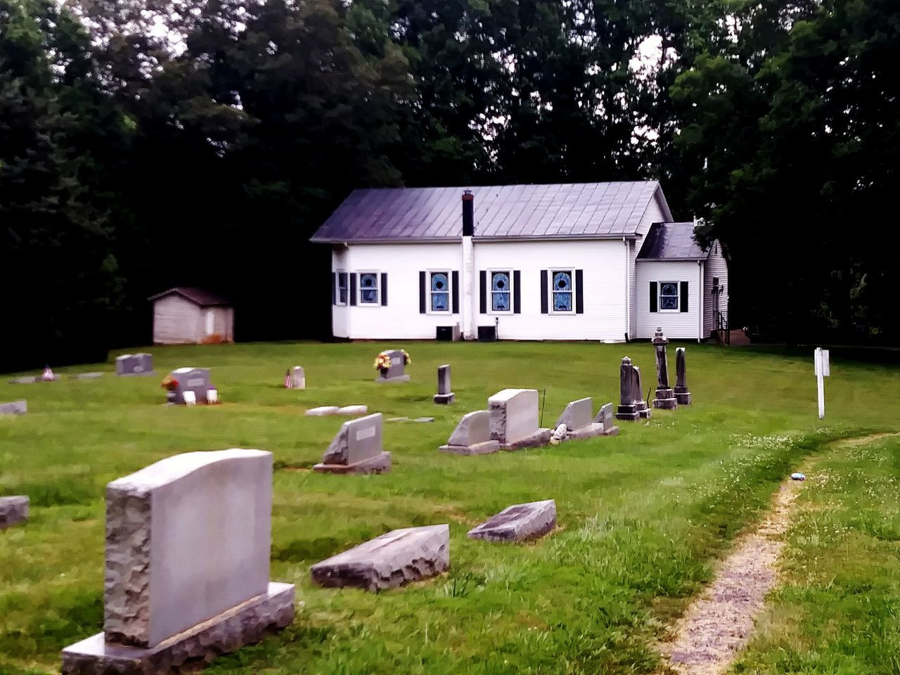 Grass No People Built Structure Tree Memorial Outdoors Architecture Day Nature Baptist Church Church Grave Cemetery Memorial Place Of Heart Architecture Grass