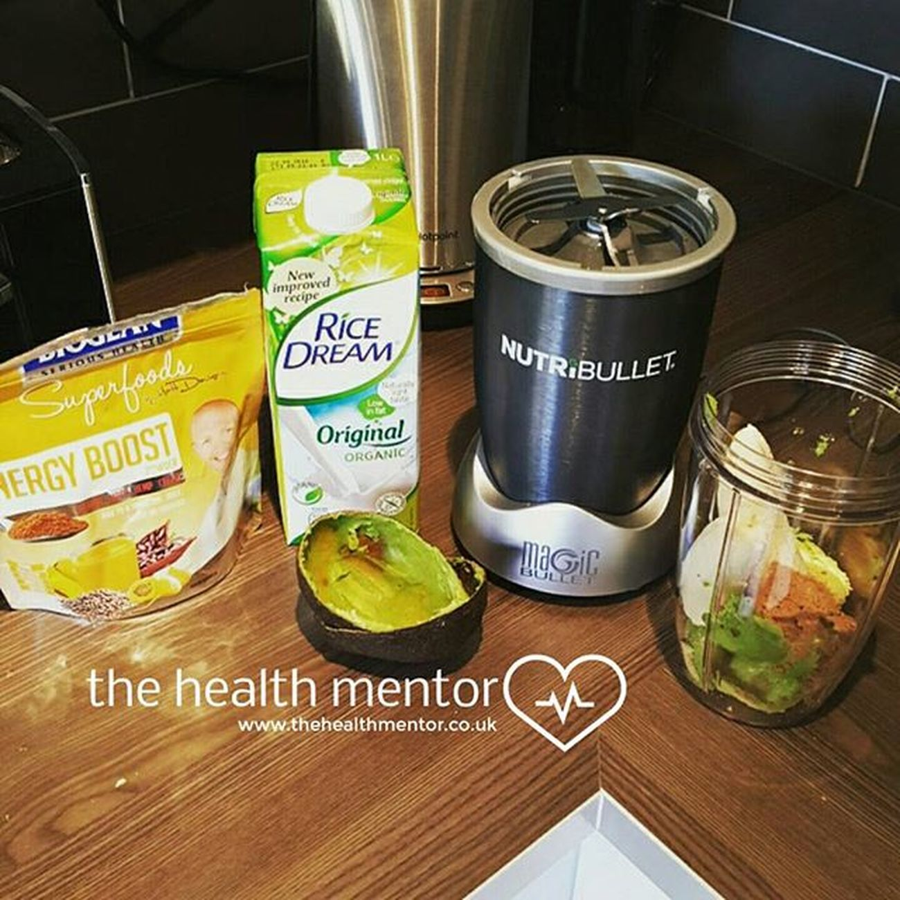 Who LOVE'S Avocado ? One of my favourite Energyboost drinks. Improve your life for the better www.TheHealthMentor.co.uk Banana Groundalmonds Ricedream Nutribullet Nutribulletuk Nutrition Goodmorning Goodfood Lifestylechange Juiceplus Healthychoices Onesimplechange Ificandoityoucandoit Yum Yummy