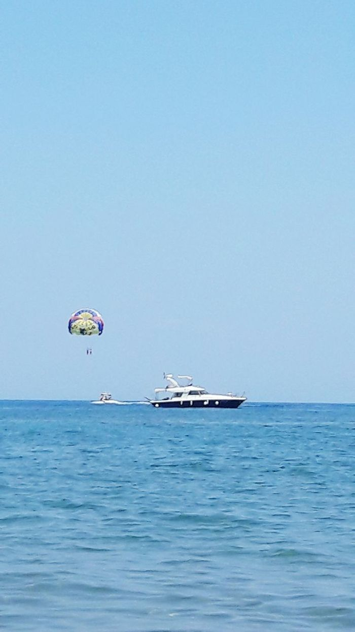 Sea Sunny Day Boats⛵️ Parachutte Taking Photos Relaxing Parachute In The Sky
