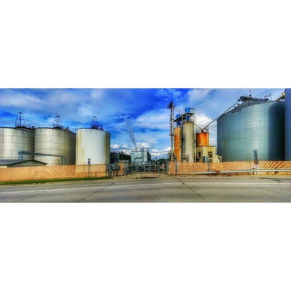 Where liquor comes from......Midwest grain in town.... Ks_pride Ipulledoverforthis Kansasphotos Atchison Kansas Workingforthat800milewalktocolorado Liquor Party Farm Grain Distilledspirits Truthcomesout