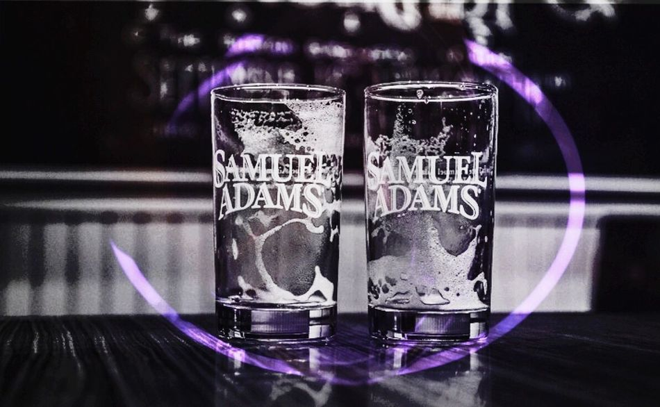 So this is a combo of 2 pictures one being a glow stick and the other being durning the Sam Adams beer tour 💜🍻 Beer Samueladams SamAdams Glowing Glow Glowsticks Blackandwhite Blackandwhite Photography Foam Glasses Souvenir Hello World Check This Out Hanging Out Enjoying Life Photography Taking Photos Good Morning Hi! Blended Images BlendPic Purple