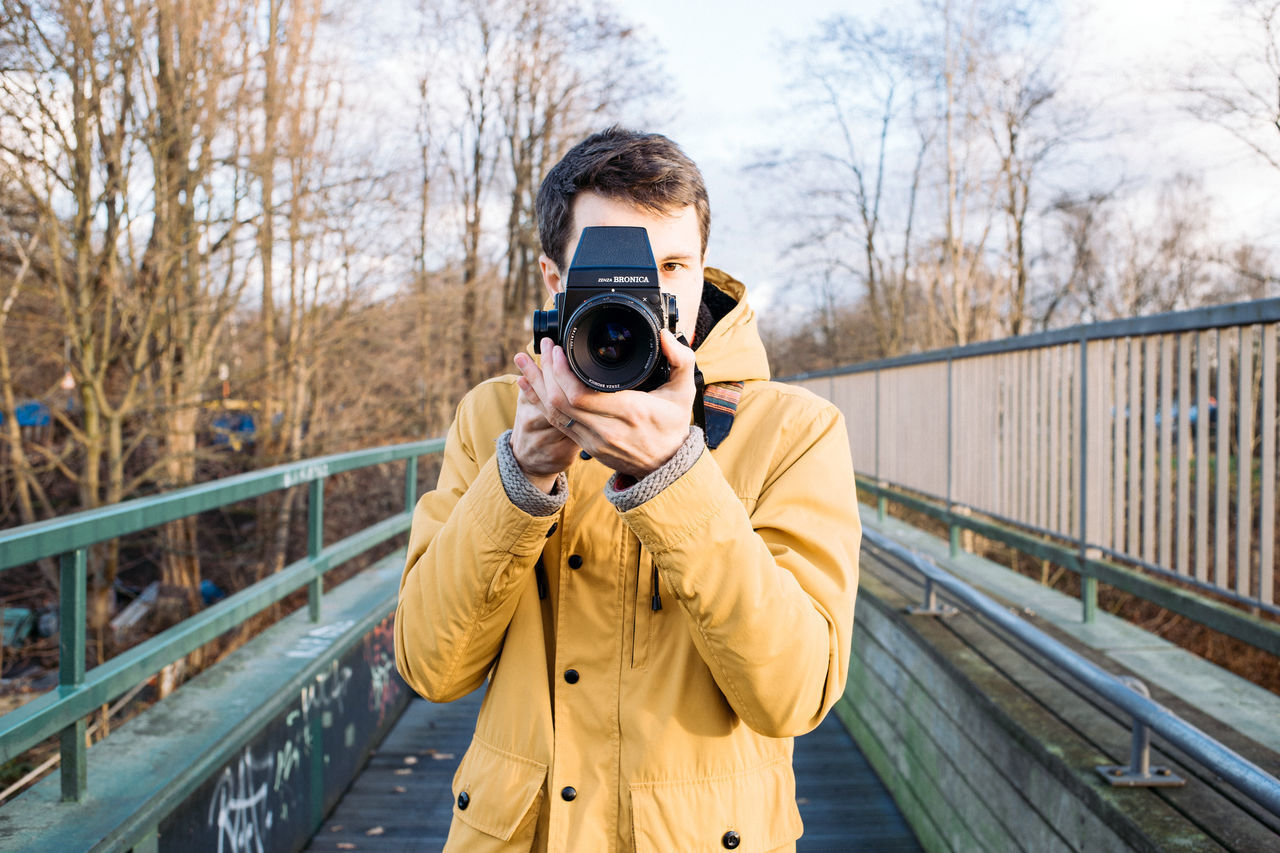 Beautiful stock photos of schule, photography themes, camera - photographic equipment, photographing, outdoors