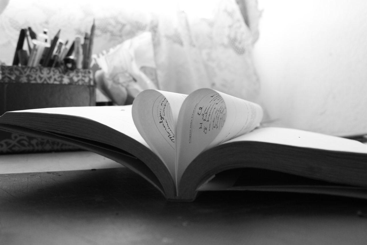 Books Books ♥ Heart Heart Shape Love Love ♥ No People Page Still Life