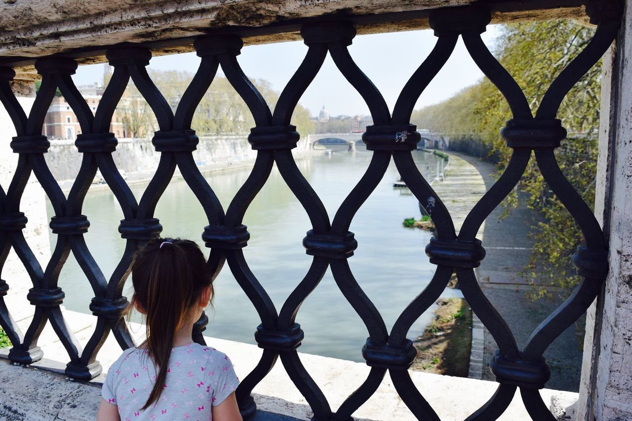Long Goodbye Rome Roma Grandaughter View From A Bridge The Tiber Don't Want To Leave