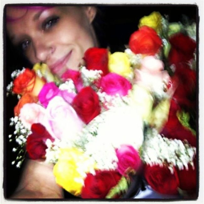 Im Jaded . Thats what it looks like when someone buys you the entire bucket of roses from the rose guy at the bar and there are 52 roses in it! Beautifulwomen Alaskangirls Anchoragewomen princess brokenhearts Betty vain dontgiveup insightful icanfixyou imissyou istillshineon girlswithpinkhair inkedgirls goddess girlswithtattoos genuine pompador rockabilly girlswithpurplehair loyal love life lifeisbeautiful lonely lifeishard peaceful cosmetology missingpieces