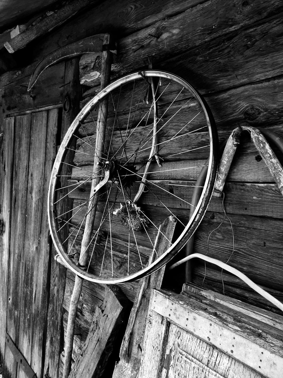 wood - material, no people, abandoned, day, wheel, outdoors, wagon wheel, spoke, close-up