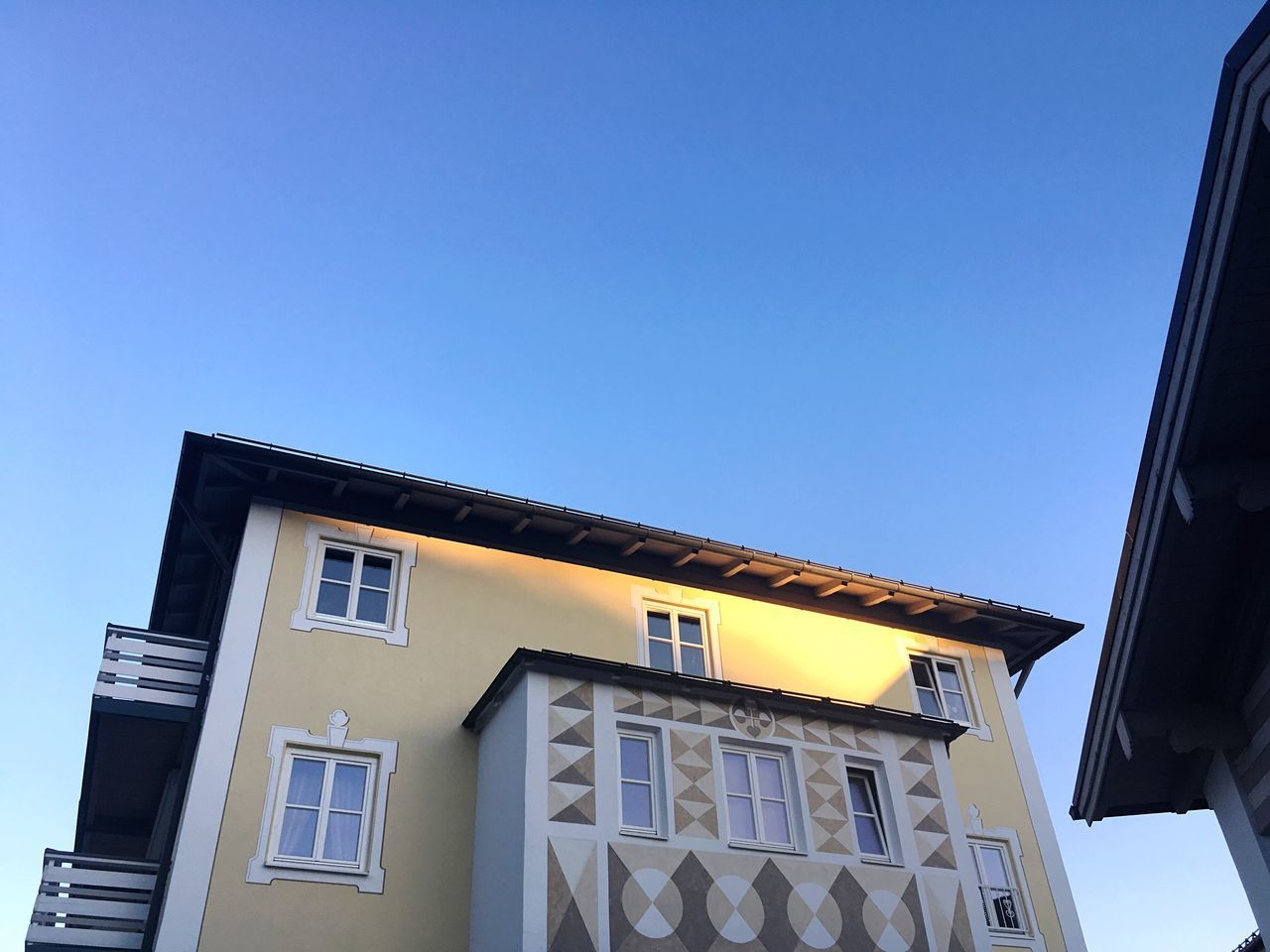 Bavarian Architecture Bad Tölz Bavarian City Bavarian Cityscapes Cityscapes Architecture Architecture_collection Architectural Feature Architecture Bavaria No People Built Structure House Morning (null) Good Morning Morning Light Morning Sunlight Bavarian Tradition