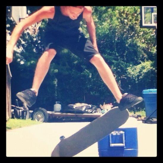 Skating , Kick Flip