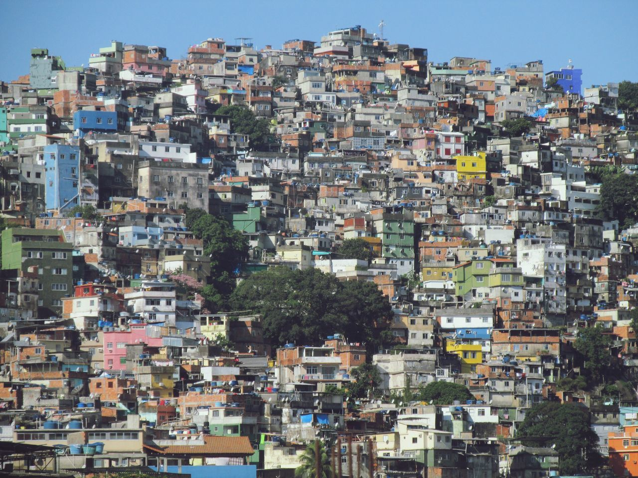 Rocinha! Building Exterior Crowded Architecture Built Structure Residential Building Residential District Favela Favelabrazil Favela Rocinha Rocinha Bestoftheday Photooftheday Photo Of The Day EyeEm Best Shots Brasil ♥ Brasil Brazil Eye4photography  Photography Slum Rio De Janeiro Rio De Janeiro Eyeem Fotos Collection⛵ Riodejaneiro Epic Cityscape