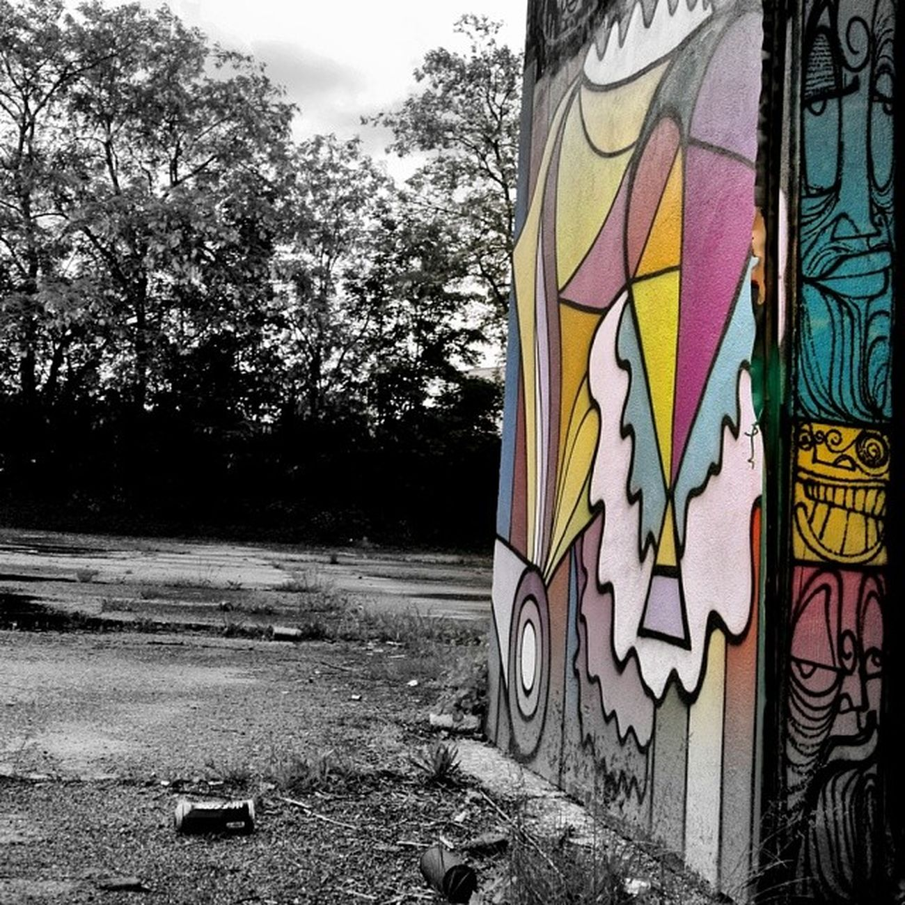 Urbex Hangar Bisk Mov Coloryourlife