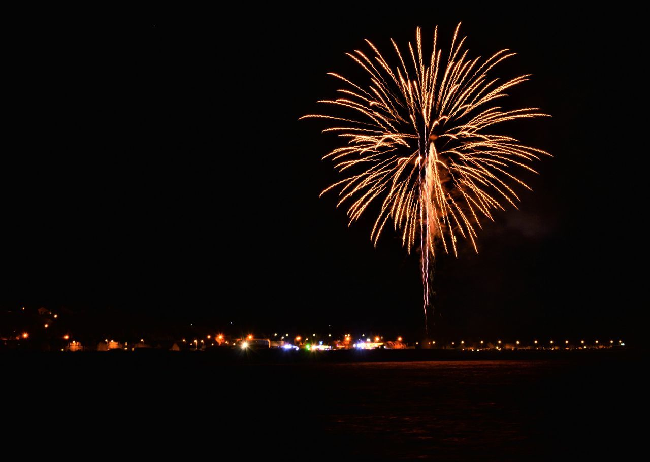 Coast Exploding Firework Guy Fawkes Night Night November 5th Outdoors Portknockie Scotland Sky EyeEmNewHere Flying High