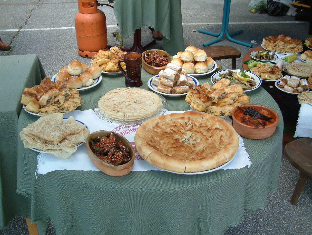 traditional food of macedonia Catering Service Cironka Day Food Freshness Gomleze Macedonia Macedonian Food No People Ohrid Pastry Pie Pitulitza Ready-to-eat Tavche Gravche Traditional Tzironka