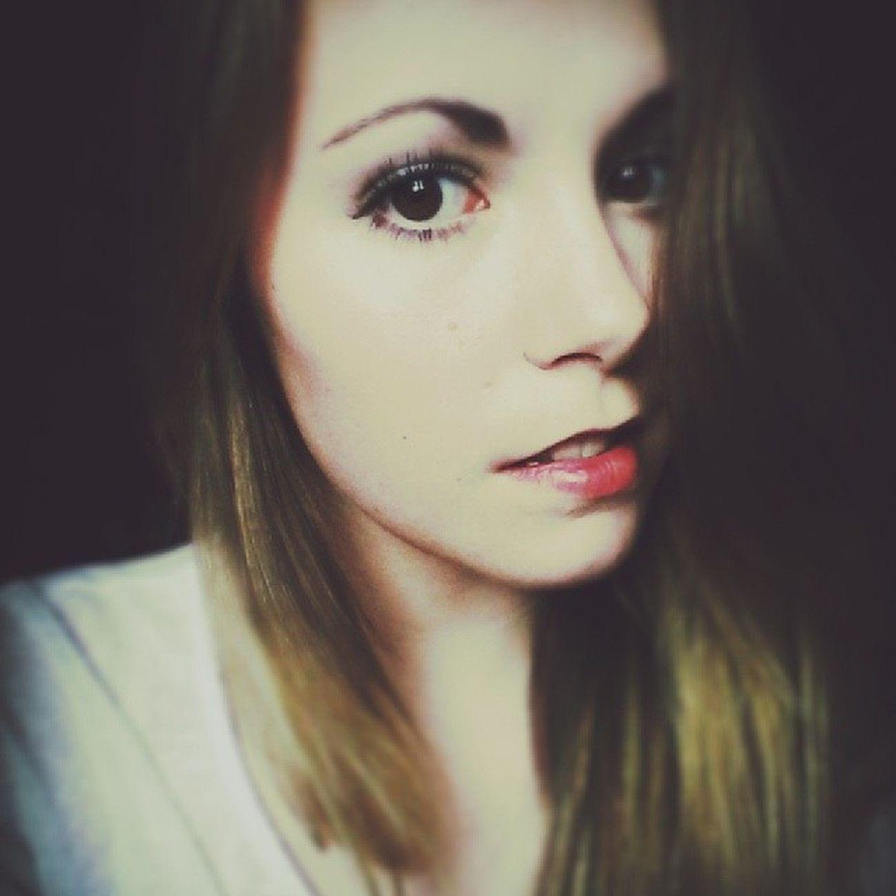 Sans toi le temps est long, sans toi a mes côtés, je perd patience. ♥ Selfie Retrica Today Redlips Lipstick Eyelashes Muotd 💄
