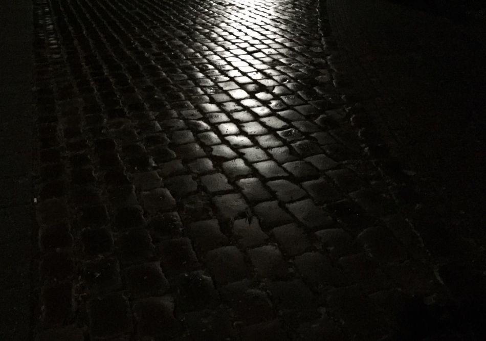 Street Rain Night Wet Teflection Streetphotography Blackandwhite The Street Photographer - 2016 EyeEm Awards Nightphotography
