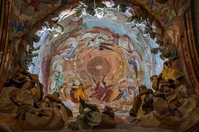 Toledo Cathedral Lookingup Art Statue Hole España SPAIN Architecture