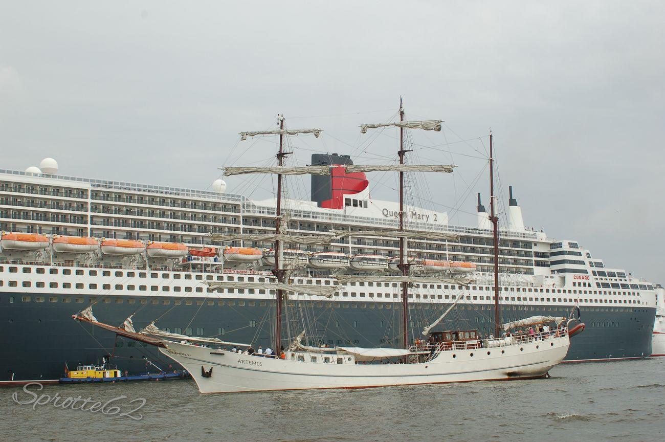 Hamburger Hafen Schiffe Hamburg Germany Cunard