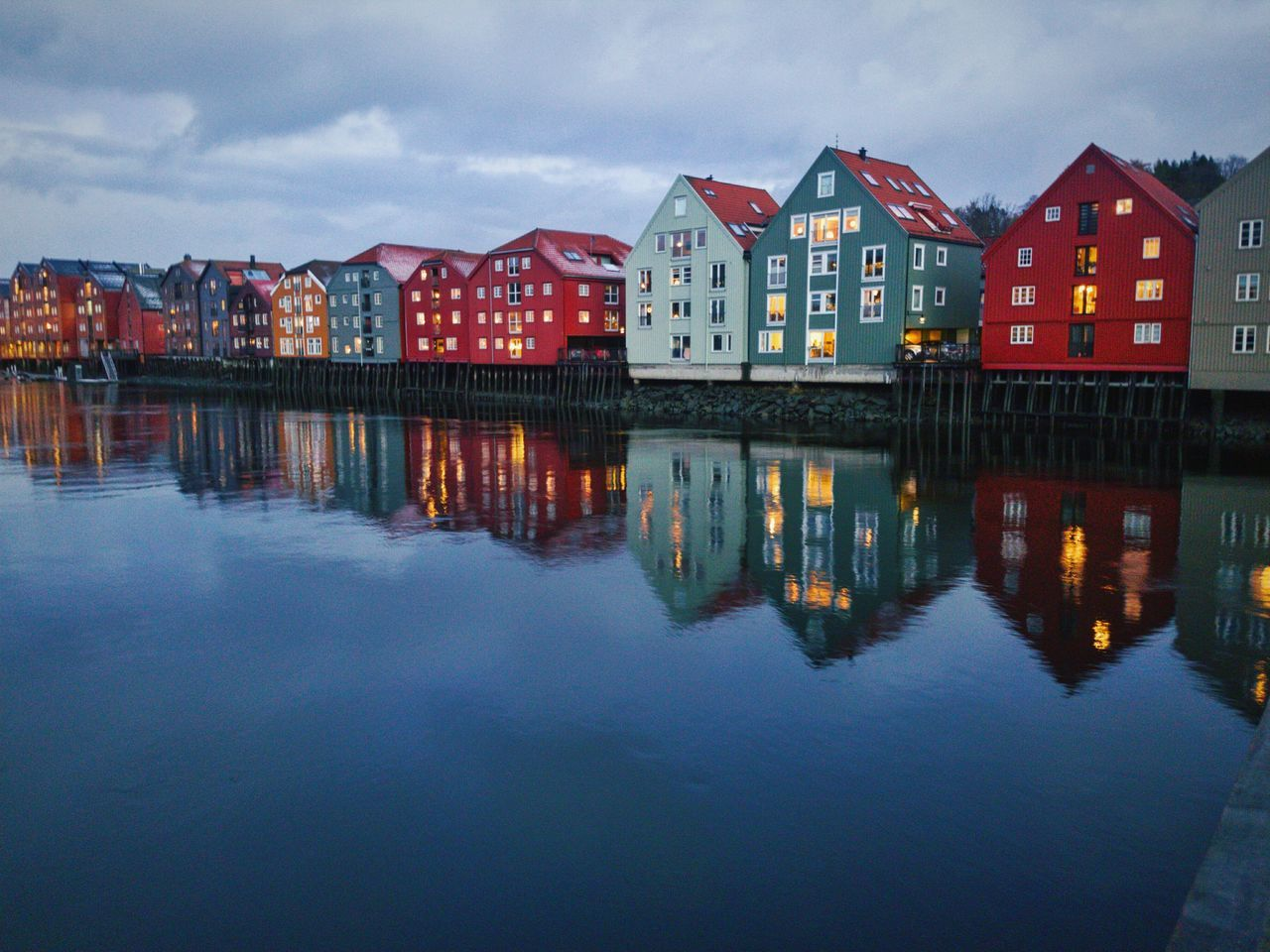 Reflection Water Architecture Outdoors Norway Norway🇳🇴 Norwegian Winter NorwayTourism Architecture Trondheim Trøndelag No People Oslo, Norway Wintertime Bryggen Bakklandet Building Exterior Built Structure Loneliness Nidaros Norwegian Landscape Reflection Simetry Trondelag Cold Temperature The City Light The Architect - 2017 EyeEm Awards Neighborhood Map The Street Photographer - 2017 EyeEm Awards