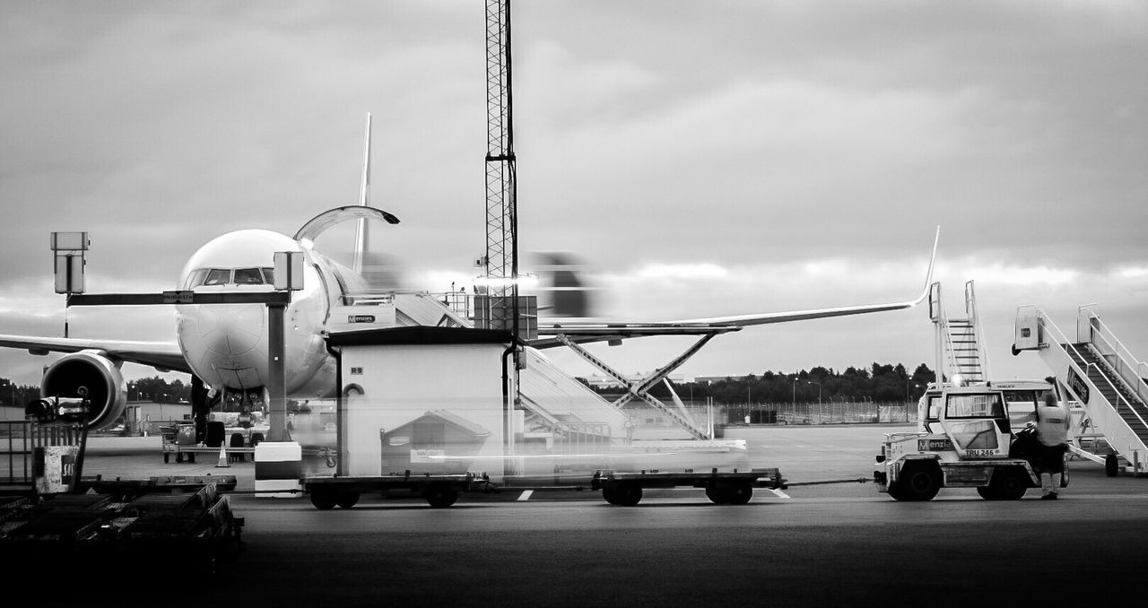 Ups Arlanda Airport Stockholm Cargo Uld ARN Airplane Black And White Long Exposure