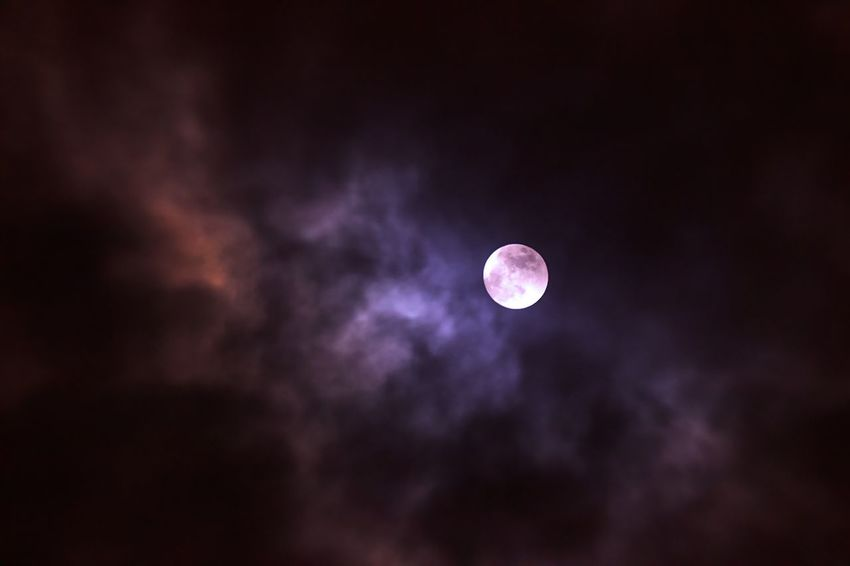 Vollmond Moon Astronomy Beauty In Nature Nature Sky Scenics Planetary Moon Night Low Angle View Tranquil Scene Tranquility Moon Surface No People Space Exploration Cloud - Sky Outdoors Crescent Space Sky Only EyeEmNewHere