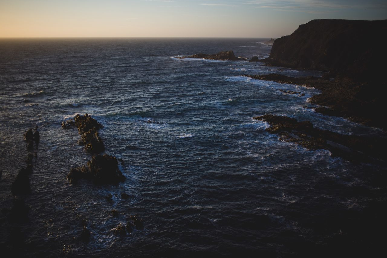 """Can you believe that... A friend of mine is working from this place. He calls it """"homeoffice"""" .... At the coast of Portugal! 🙈 he normally lives in Germany but he drives his vw bus down there to work and surf😬 Portugal Friend Coast Wave Ocean Sunset Outdoors Nature Calm Wild Travel Short Trip"""