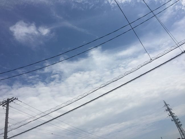 今日の昼の空 青空 Blue Sky 空 Sky 電線 Electric Wires 雲 Clouds 鉄塔 Pylon