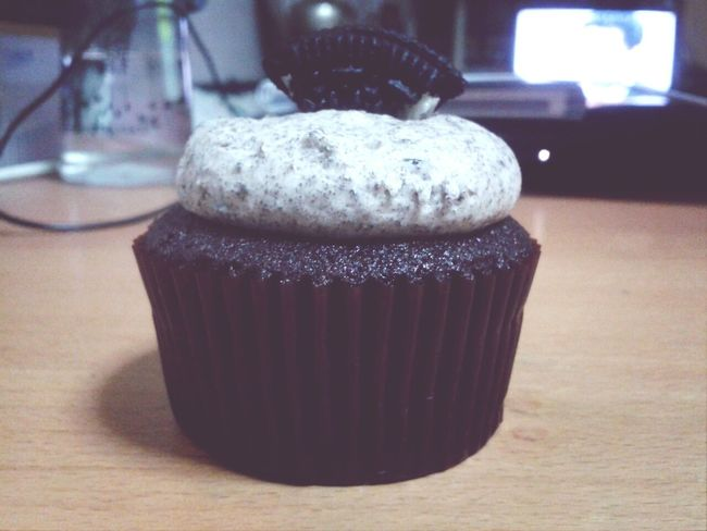 twelve cupcakes Twelvecupcakes Cupcakes Oreo Enjoying Life :-)